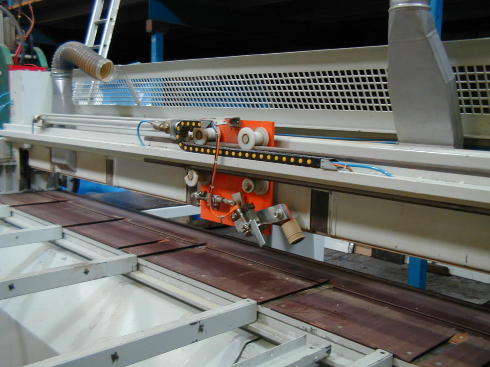 Side aligner unit on Panhans Euro5 beam saw